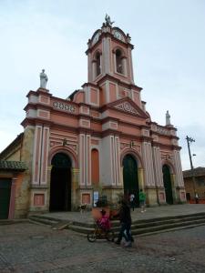 El templo de la Inmaculada Concepción de Tabio se levanta en un terreno sobre el que existía un cementerio indígena. Foto: Juan Uribe