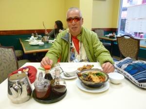Este es el hombre que se sentó a almorzar conmigo en un restaurante del barrio chino en San Francisco. Decía ser hermano de Bruce Lee. Foto: Juan Uribe