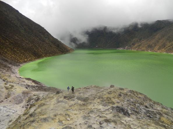 La Laguna Verde se encuentra en el cráter del volcán Azufral, que está a 4.070 metros sobre el nivel del mar. Foto: Juan Uribe