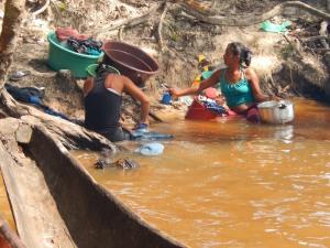 La vida en la comunidad de Venado gira en torno al río Inírida. Foto: Juan Uribe