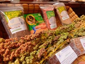Caramelos y barras de cereales son algunos productos a base de quinua que elabora la empresa Nutri Q Life Plus. Foto: Juan Uribe
